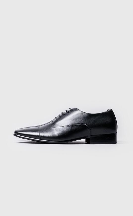 尖頭綁帶式皮鞋